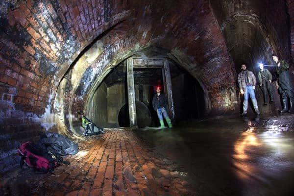 Забронировать экскурсию по подземной реке Неглинке