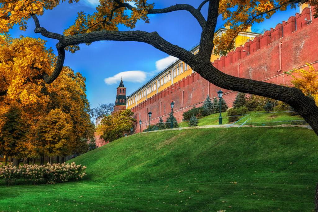 Заказать экскурсию - квест для детей по Александровскому саду