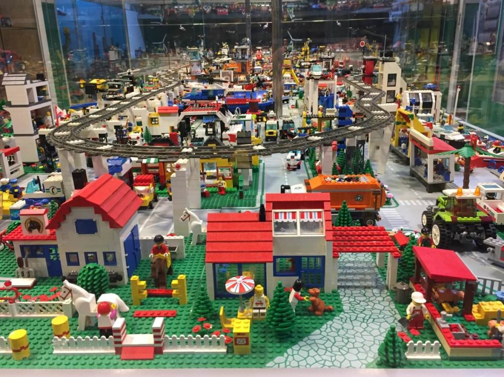 Купон в музей лего Lego Megabricks