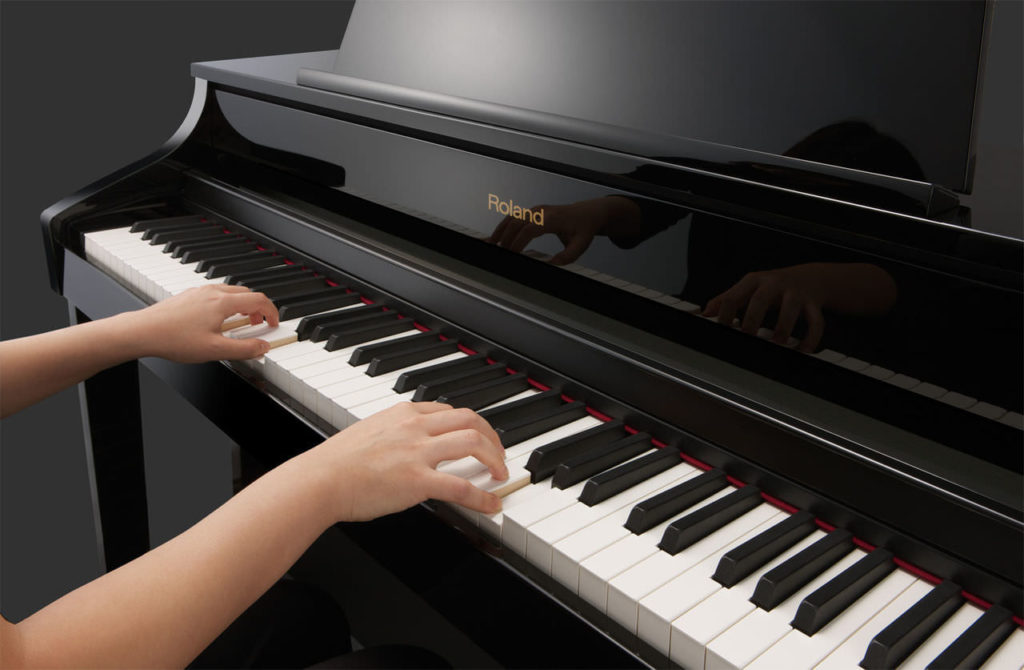 Купон на обучение игре на фортепиано и гитаре
