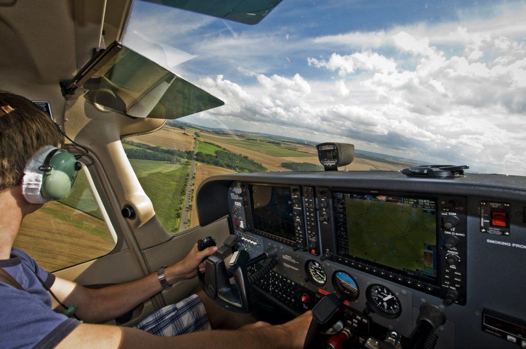 Обучение пилотированию самолетаваэроклубе Fly-zone