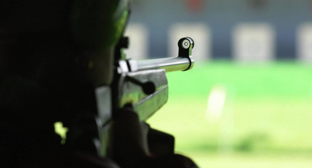 Стрельба из пневматического оружия втире ILove Gun