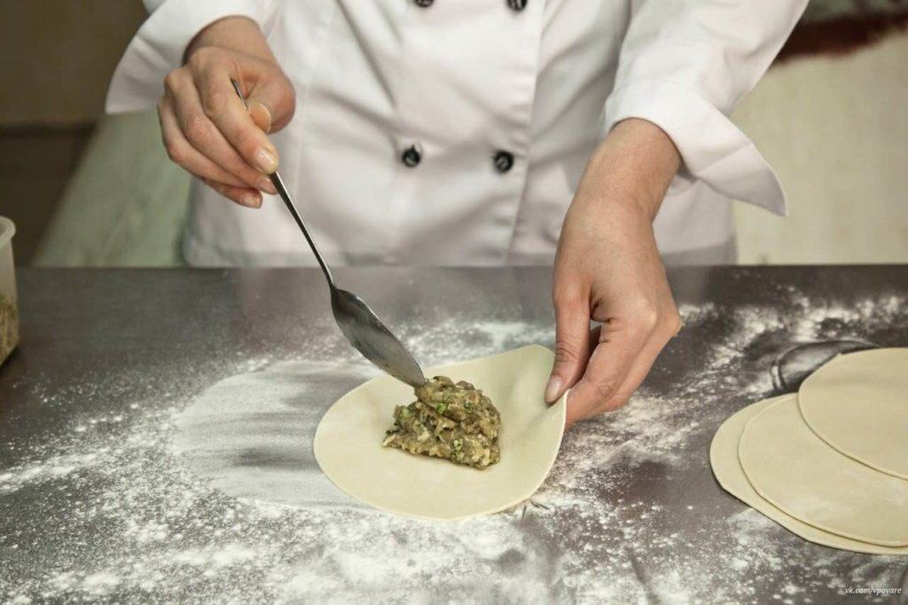 Мастер-класс по приготовлению хинкали в ресторане «Вино и Сулугуни»