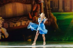 Спектакль на льду «Алиса в зазеркалье»