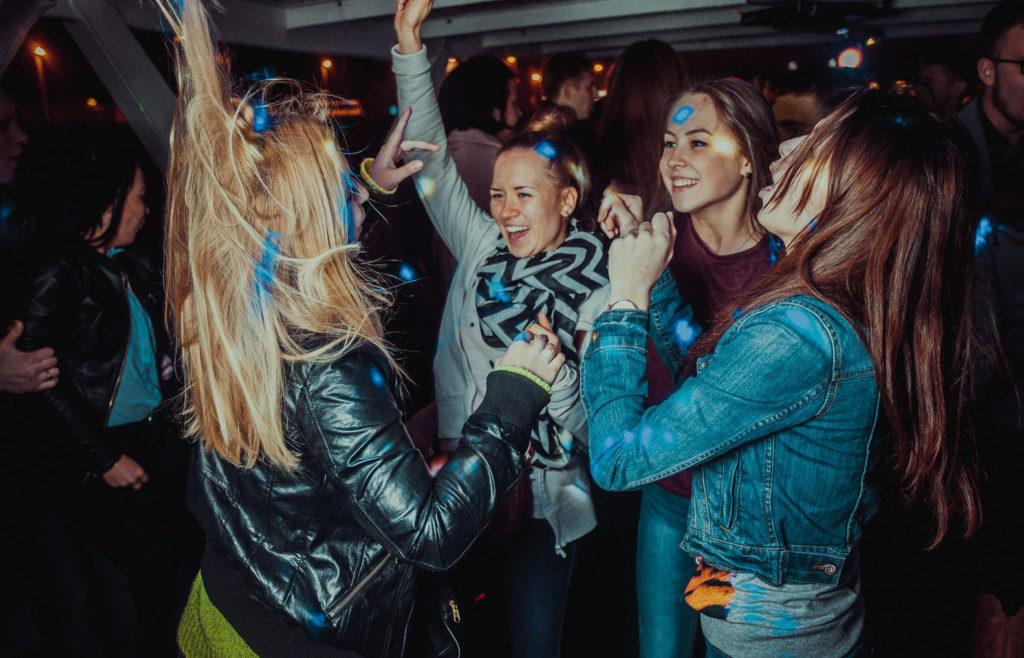 Вечеринка на теплоходепоМоскве-реке отгруппы компаний «РПК»