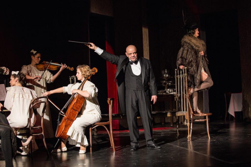 Театр Сатирикон представляет спектакль «Человек из ресторана»