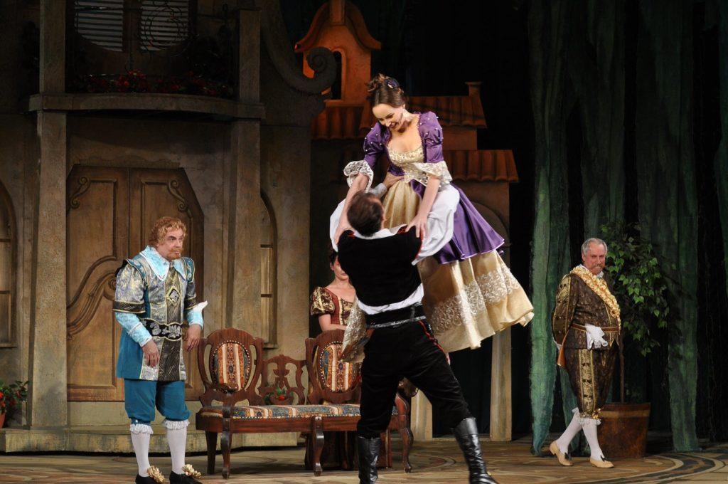 Спектакль «Учитель танцев»по мотивам пьесы Лопе Де Вега
