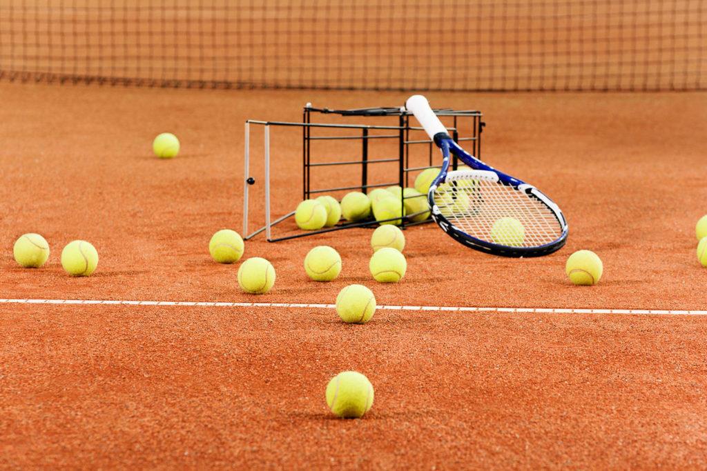Занятия большим теннисомвтеннисном клубе Liga Tennis