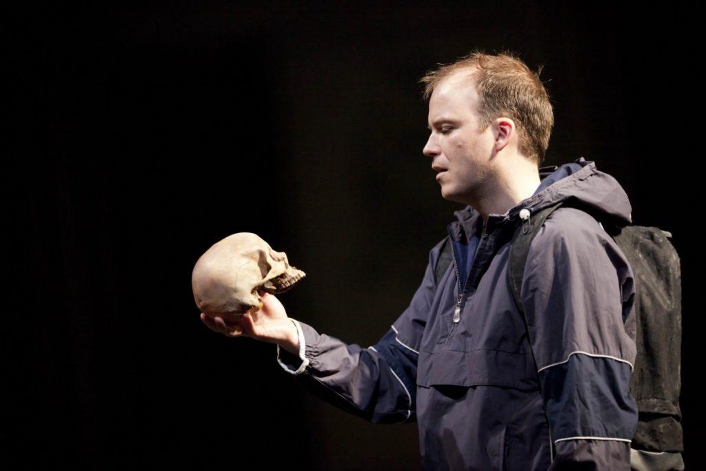 Спектакль Гамлет Story