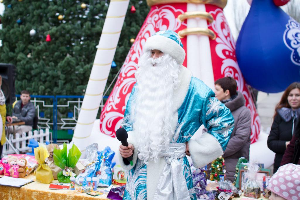 Шоу «Главный секрет Деда Мороза». Бонус «Наука волшебства» в парке развлечения