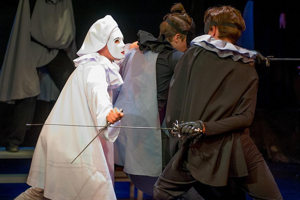 Спектакль «Юная любовь» в театре «Модерн»