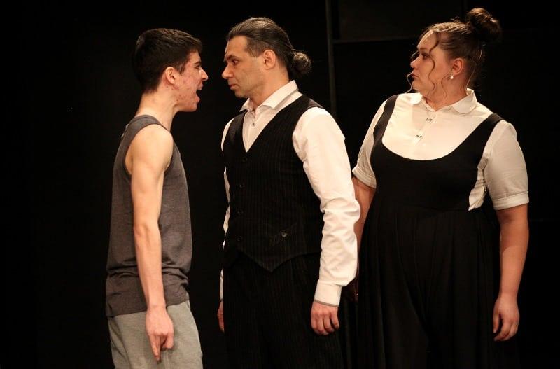 Спектакль «Переходный возраст» в Театриуме на Серпуховке