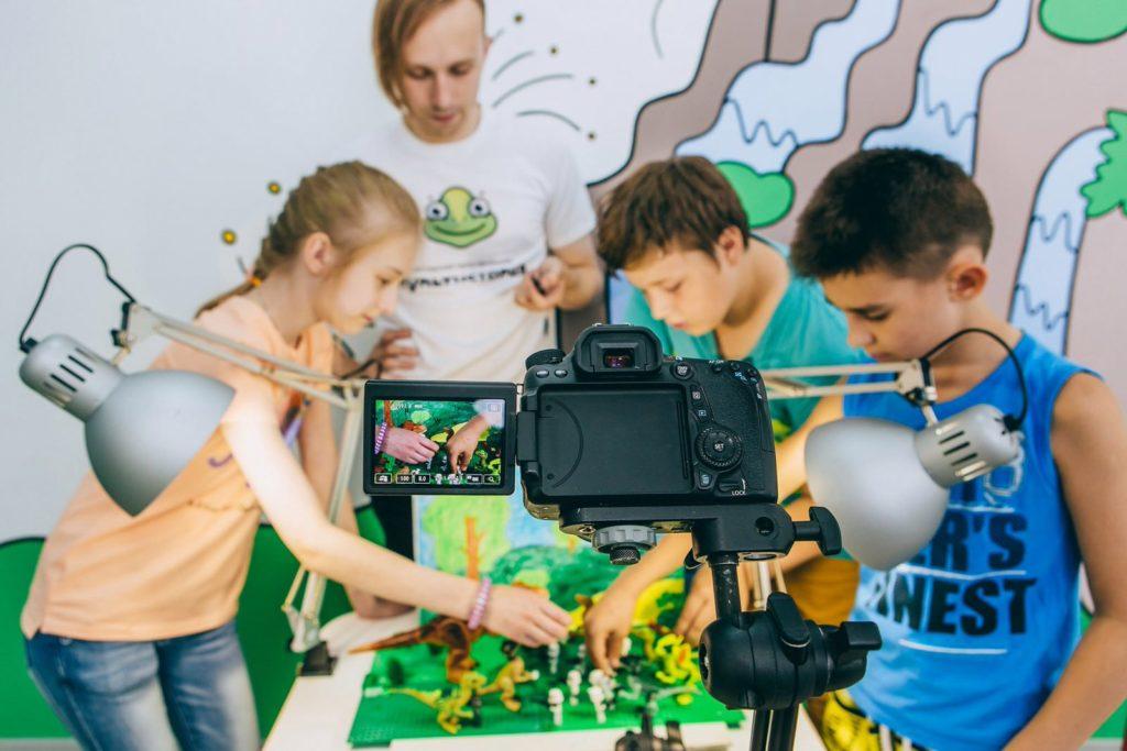 Занятия для детей в мастерской мультфильмов «Мультистория»