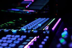 OMURA. мультимедийное музыкальное ШОУ