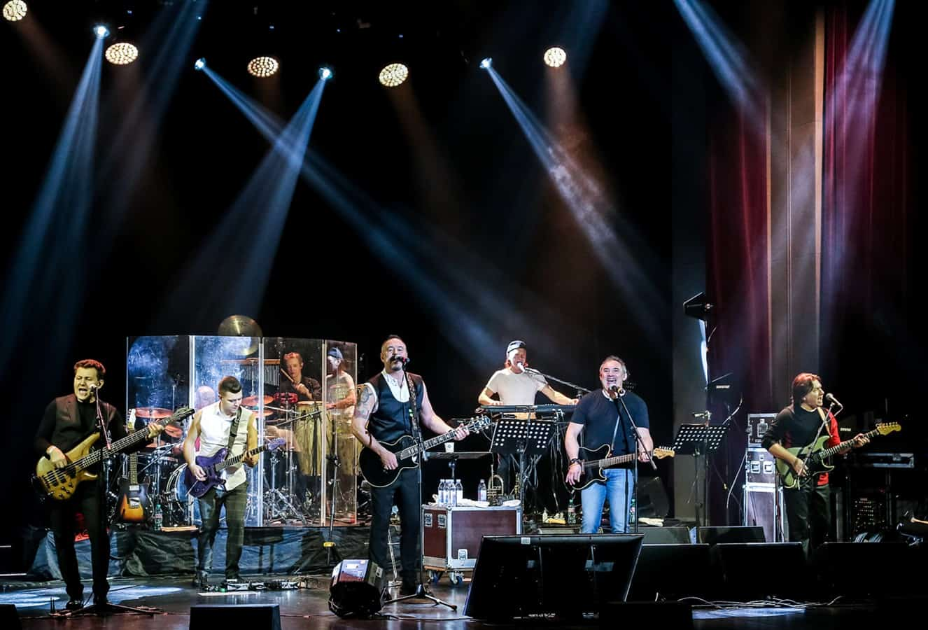 Концерт Максима Леонидова и группы «HippoBand»