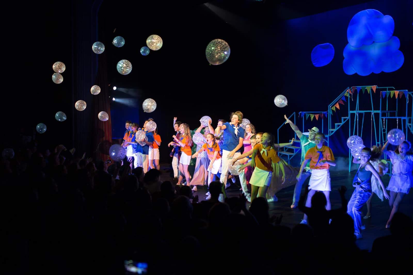 Мюзикл «Мечтатели» в вегас сити холле