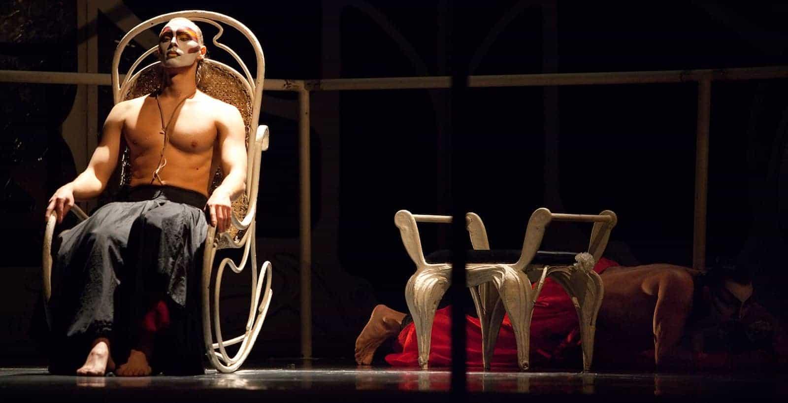 Спектакль «Служанки» в Театре Романа Виктюка в Москве