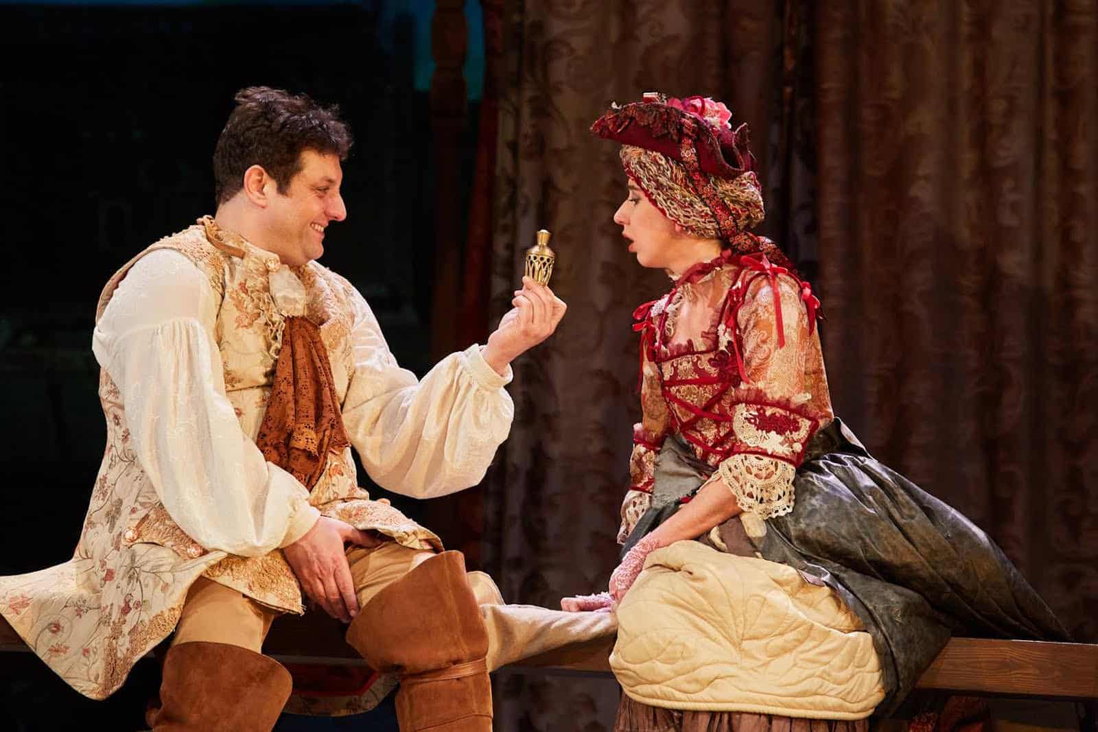 Спектакль «Трактирщица» в театриуме на серпухове и театре русская песня