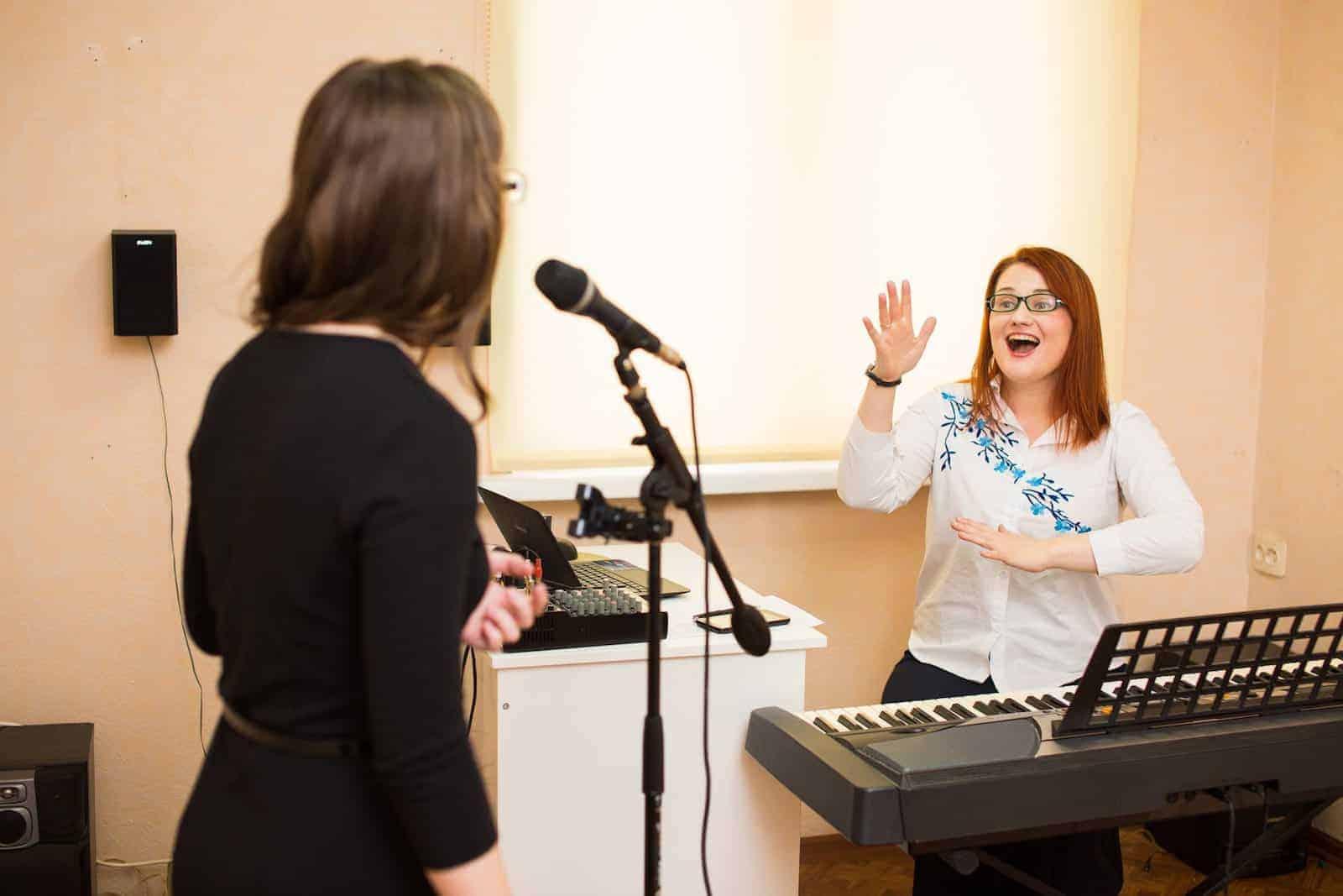Индивидуальные или групповые занятия вокалом в школе Juliya Vocal Studio
