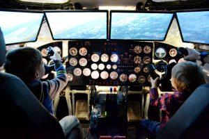 Полет на тренажере в кабине самолета от клуба «Авиатор» купон
